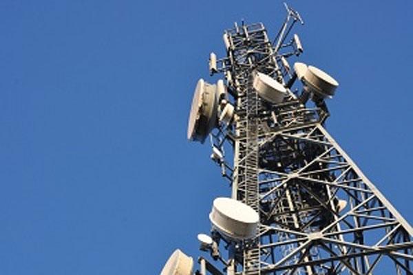 نصب تجهیزات سایت همراه اول در خوزستان با هدف بهبود ارتباطات سیار