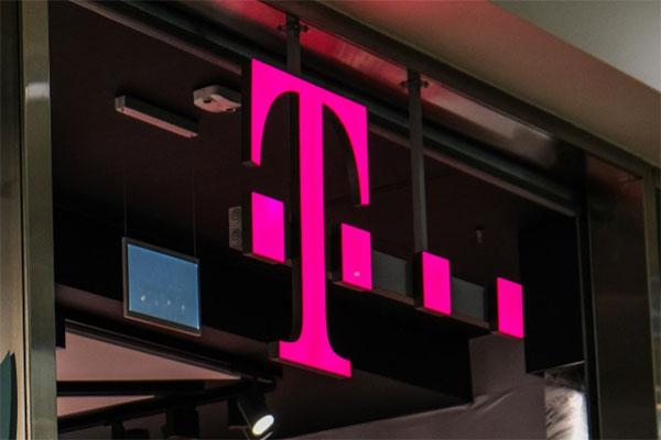 اطلاعات ۲۰۰ هزار مشترک T-Mobile به سرقت رفت